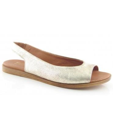 Sandalia plana en color platino