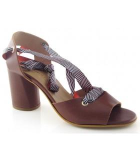 Sandalia de tacón alto para atar en el tobillo