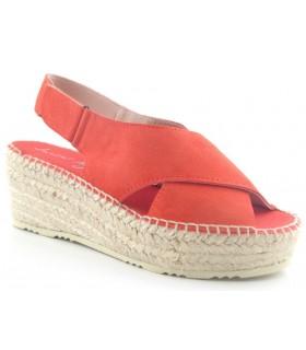 Sandalias de cuña de esparto con tiras cruzadas en color rojo