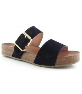 Sandalia con hebilla en color negro