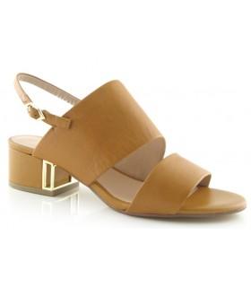 Sandalias de medio tacón color cuero