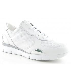 Deportivo para mujer en color blanco con detalle plata