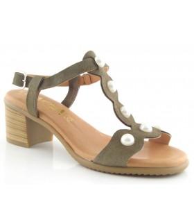 Sandalia en color kaki con perlas