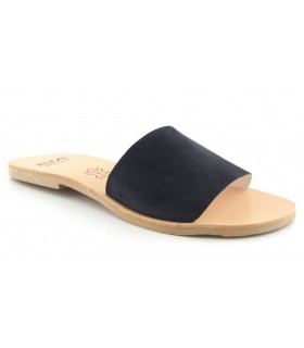 Sandalia plana con tira negra