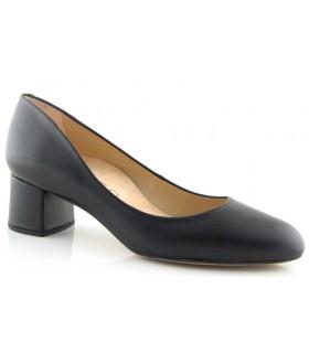 Zapato salón color negro salón cerrado