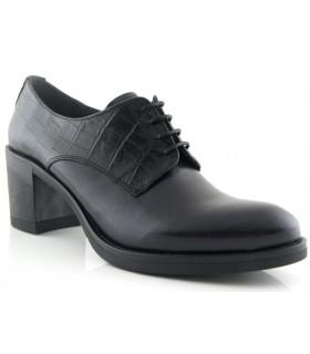 Zapato de cordones combinado con coco negro