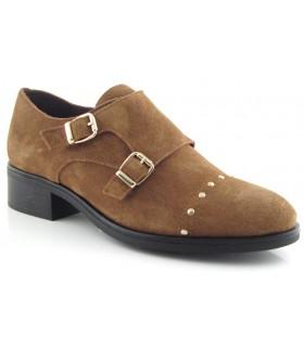 Zapatos de dos hebillas en color cuero
