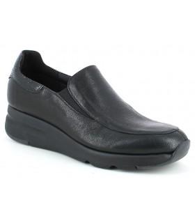 Zapato con cuña con elásticos