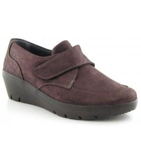 Zapato con cuña con cierre de velcro