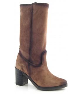 Bota de media caña en serraje engrasado marrón