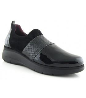 Zapato combinado con charol negro