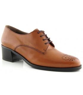 Zapato clásico con picado María