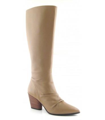 Botas de tacón de caña alta color beige