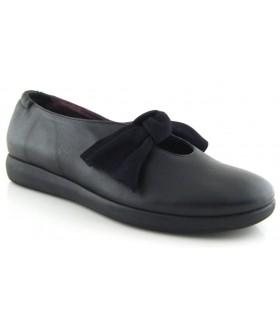 Zapato con lazo en piel negra