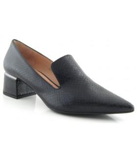 Zapato con copete de puntera fina