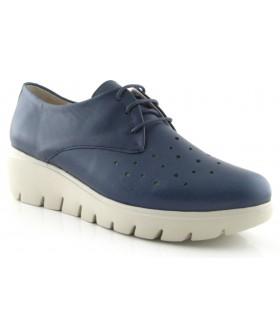 Zapato con cordones en color azul marino