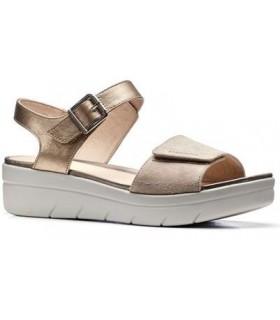 Sandalia con velcro de color taupe
