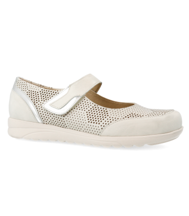 Zapato mercedes en color plata
