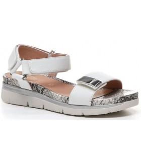 Sandalia con velcro de color blanco