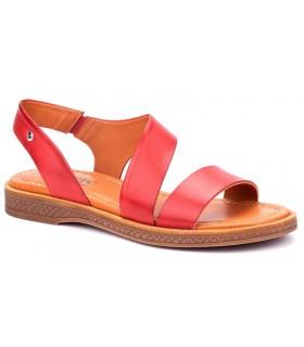 Sandalia de color coral fabricada en piel