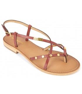 Sandalia plana de color rojo