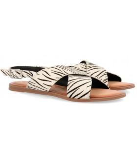Sandalia cruzada en potro de color cebra