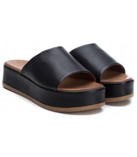 Sandalia con plataforma de color cuero