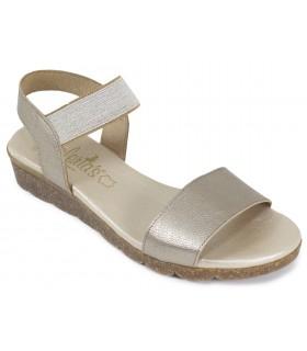 Sandalia de color taupe con elástico