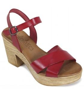 Sandalia de tacón con plataforma en color rojo