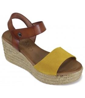 Sandalia de color ocre para mujer