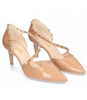 Zapatos de vestir con tachas