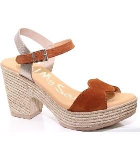 Sandalia de tacón en serraje cuero