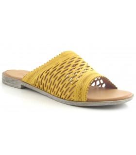 Sandalia de piel en color amarillo
