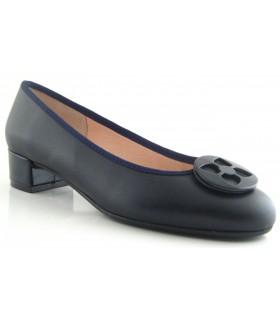 Zapato con adorno en azul marino