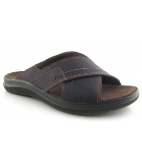 Sandalia de tiras cruzadas en piel marrón