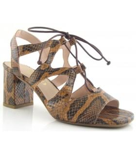 Sandalia para mujer en serpiente camel
