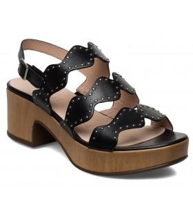 Sandalia con plataforma en color negro