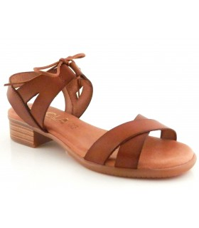 Sandalia fabricada en piel cuero