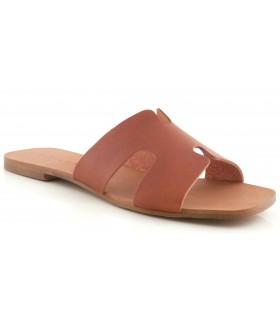 Sandalia plana en forma de H
