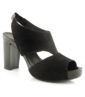 Sandalia de color negro con tacón