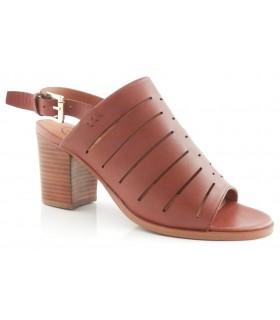 Sandalia de tiras en color cuero