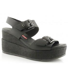 Sandalia con hebillas en color negro