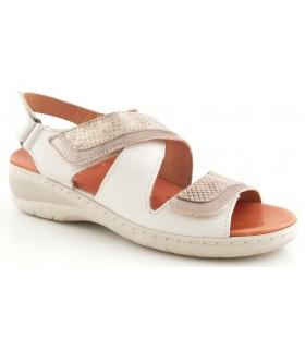Sandalia con velcros en color beige