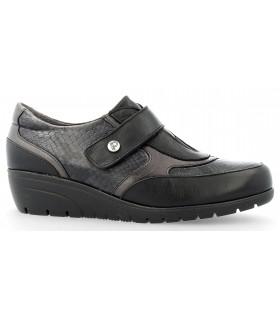 Zapatos de cuña con velcro