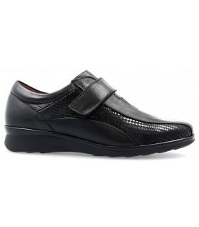 Zapatos con velcro en color negro