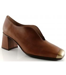Zapatos con abertura en color cuero