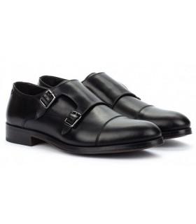 Zapatos de dos hebillas en color negro