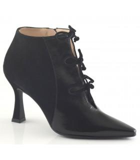 Zapato de vestir con cordones
