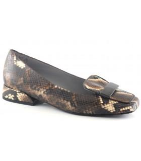 Salón para mujer en grabado serpiente