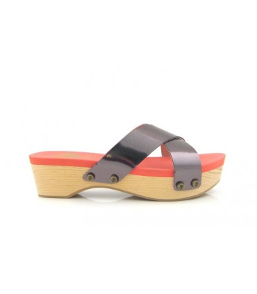 Sandalia con plataforma de madera